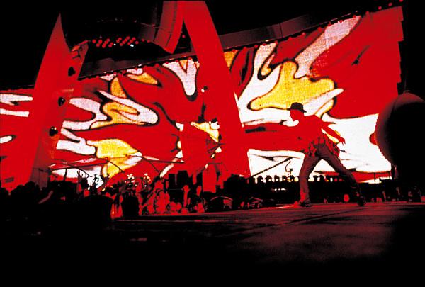 U2 - PopMart Tour - 1997-1998 - Scène
