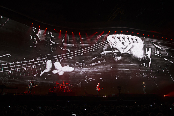 u2 news amsterdam ii a celebration. Black Bedroom Furniture Sets. Home Design Ideas